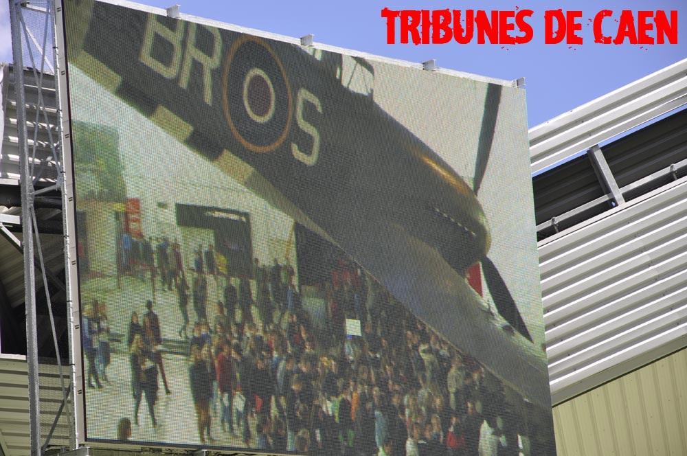 Le stade Michel d'Ornano - Page 2 Tours01
