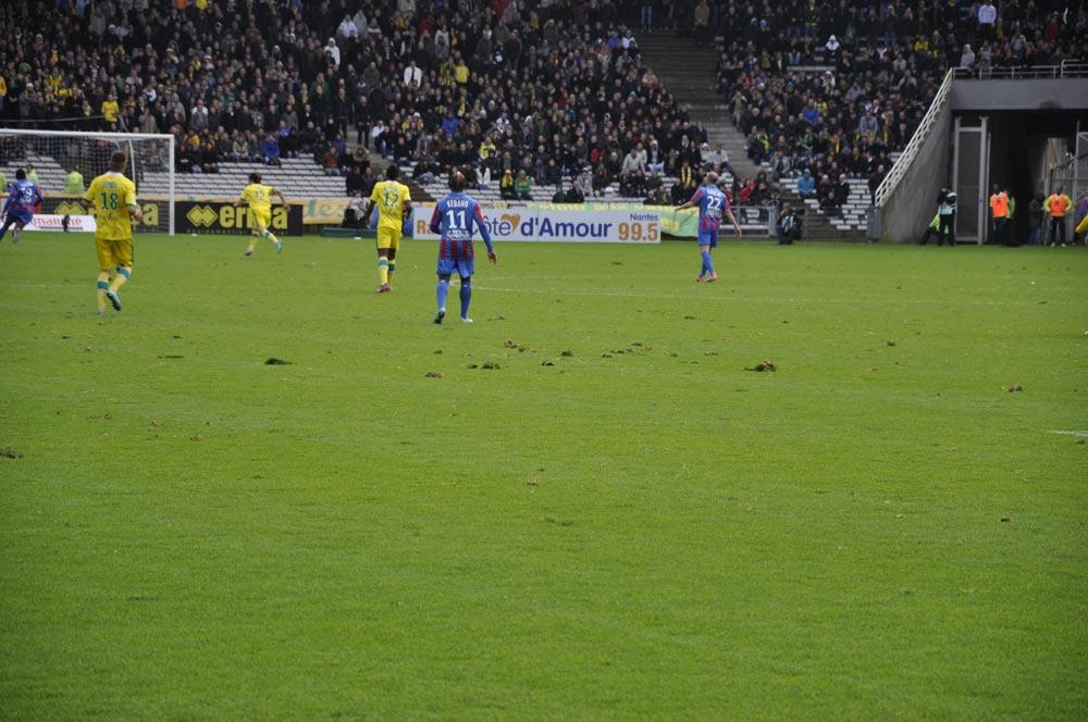 [18e journée de L2] FC Nantes 2 - 1 SM Caen - Page 3 2012-12-15-206